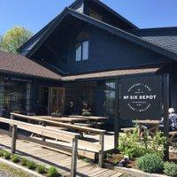 six depot outdoor dining