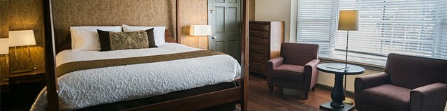 Top Lodging Yankee Inn Slider - Berkshires.jpg